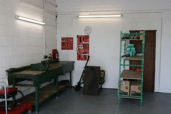 generator servicing work area