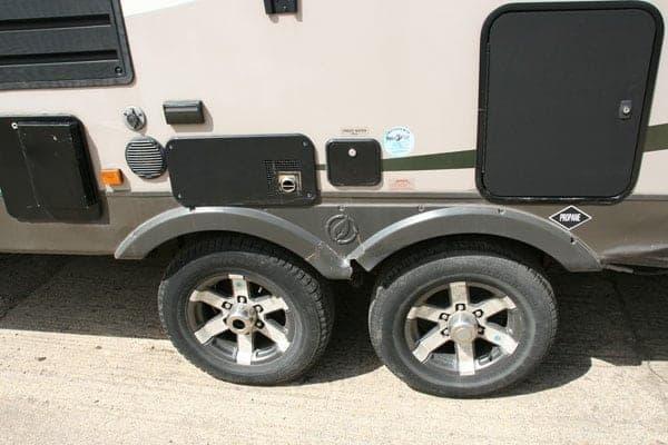 5th Wheel Accident Repair – accident gallery item